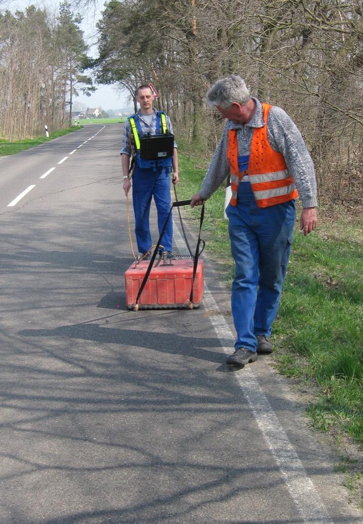 Untersuchung von Straßenschäden